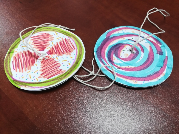 colored paper spinners